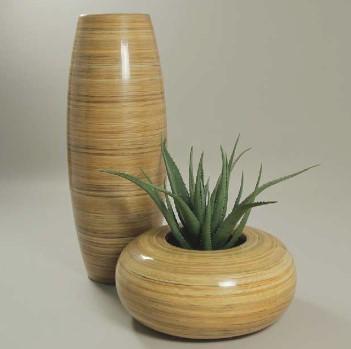 I vasi alti infatti consentono di giocare a proprio for Vasi moderni da terra